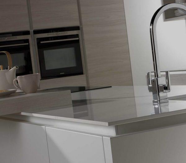 kitchen design OttoHandlessRail